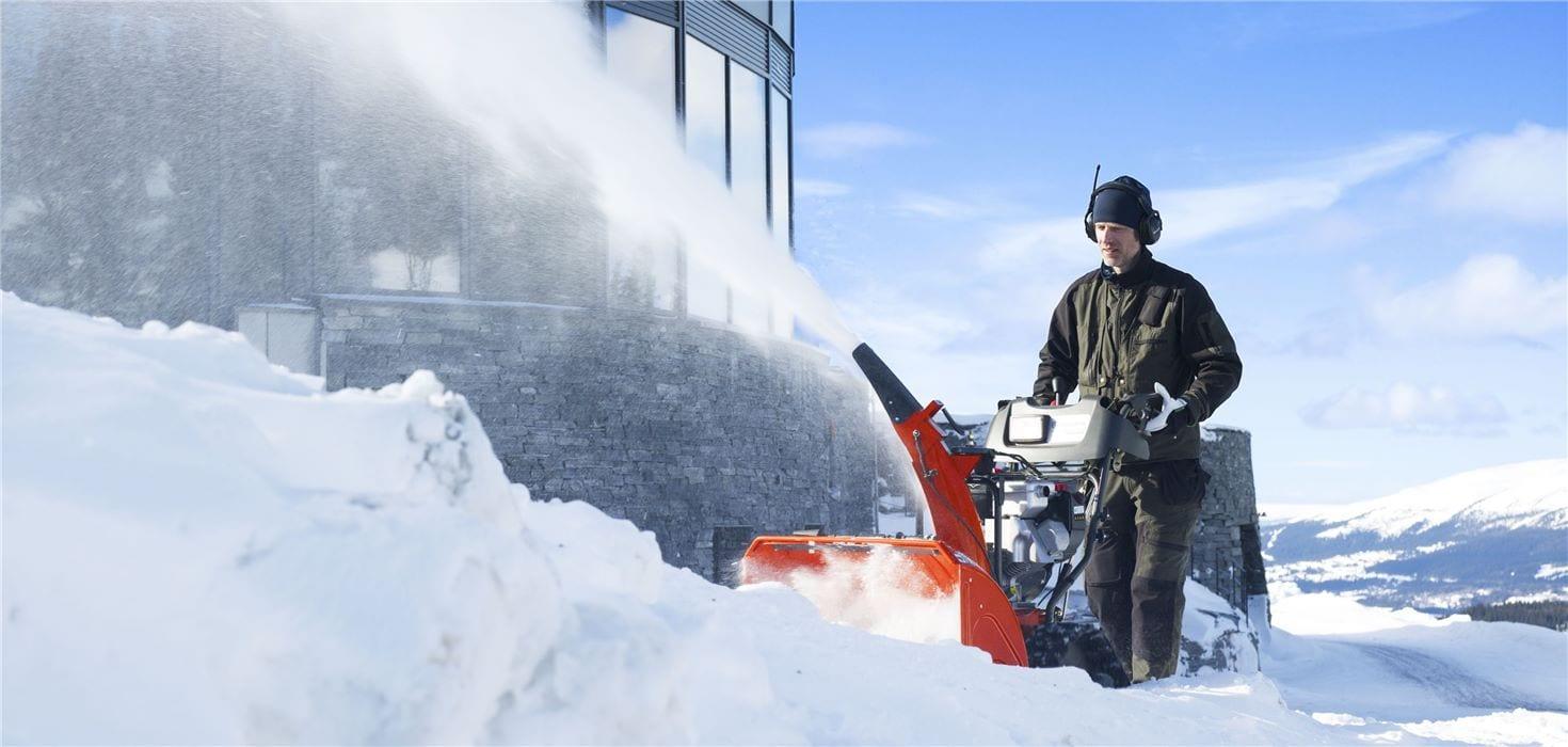 Sneeuwruimen kost minder moeite met Husqvarna sneeuwblazers